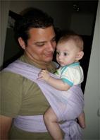 Ο Αστέρης με τον μπαμπά του, με wrap