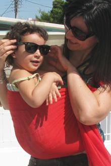 Με το μωρό στο μάρσιπο το καλοκαίρι