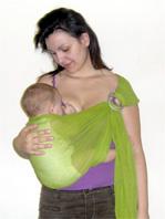 Πώς να βοηθήσεις το μωρό σου να τρώει σε όρθια θέση αν έχει παλινδρόμηση