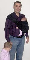 Ο μπαμπάς με τα μωρά του
