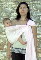 Με το μωρό στο πλάι με μάρσιπο ring sling