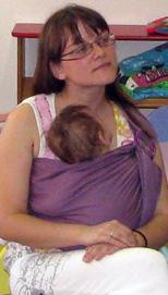 Ήσυχο μωρό σε sling