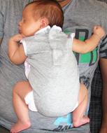 Ιδανική θέση για τα μωρά, όπως στην αγκαλιά μας