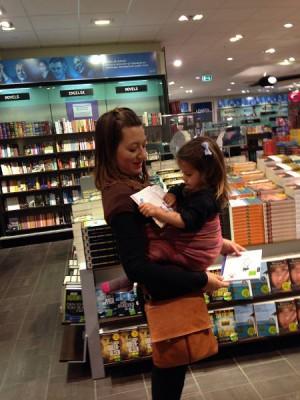 μάρσιπος μέχρι ποια ηλικία; μαμά με νήπιο σε sling