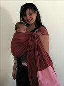 Με το μωρό μπροστά στην αγκαλιά μου με μάρσιπο sling με κρίκους