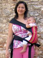 Με το μωρό στο πλάι σε μάρσιπο mei tai