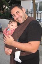 Μπαμπάς με το μωράκι του