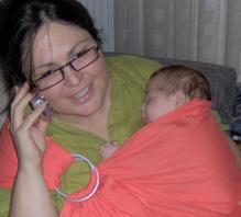 Μαμά και μωρό αγκαλιά