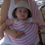 Μωράκι στη θέση Βούδα σε μάρσιπο pouch
