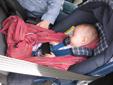 Μωράκι σε καρεκλάκι αυτοκινήτου