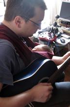 Ο μπαμπάς παίζει μουσική μαζί με το μωράκι του!