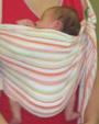 Νεογέννητο μωράκι σε όρθια θέση