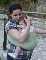 Όμορφη αγκαλίτσα με το μωρό