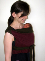 Νεογέννητο μωρό σε μαρσιπο