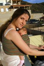 Μωρό κοιμάται σε ring sling