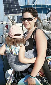 Αστεράκι sling με παιδί δύο χρονών