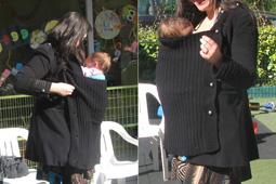 Θηλασμός στο χειμωνιάτικο κρύο με μάρσιπο αγκαλιάς