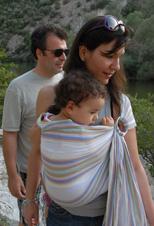 Τα μωρά μαζί με όλη την οικογένεια, με μάρσιπο Αστεράκι