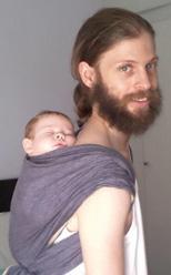 Μπαμπάς μαζί με το μωρό του!