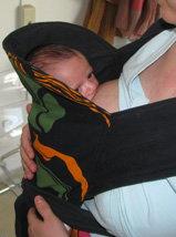 Θηλασμός νεογέννητου σε μάρσιπο mei tai