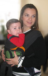 Με το μωρό αγκαλιά